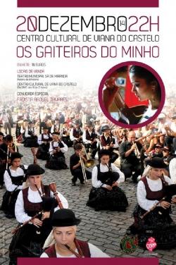 """""""Os Gaiteiros do Minho"""" con la fadista Raquel Tavares, en Viana do Castelo"""