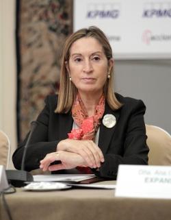 Ana Pastor anuncia un proyecto de colaboración con Portugal