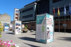 La exposición conmemorativa de los 25 años del Eixo estará hasta el 23 de octubre en O Barco